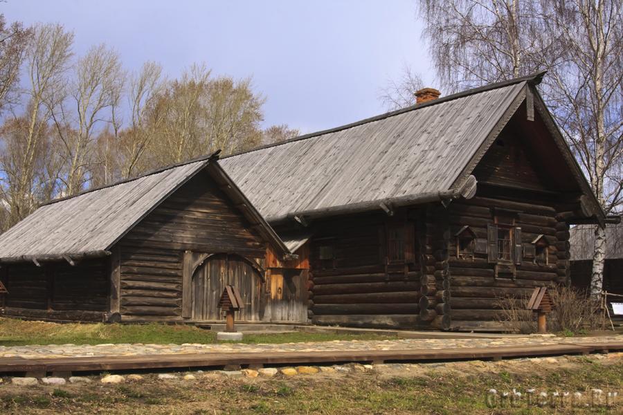 Дом Лоховой XIX век. Перевзен из Нижегородской области.