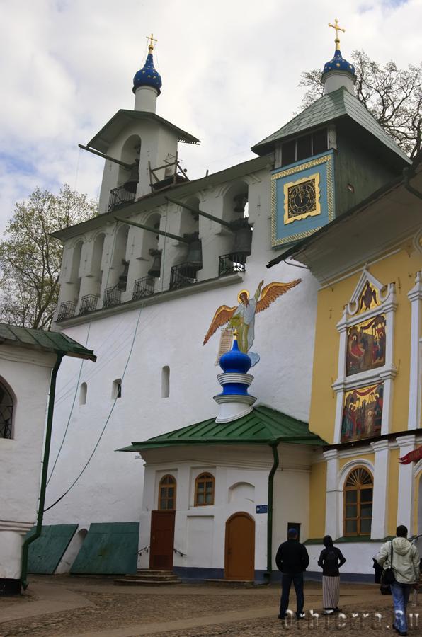 Монастырская звонница (1523 г.)