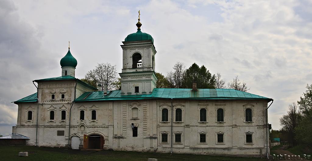 Колокольня и братский корпус (XVII – XIX века)