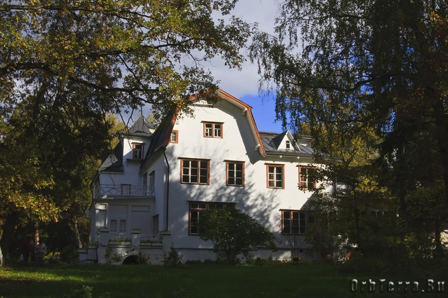 Большой дом.
