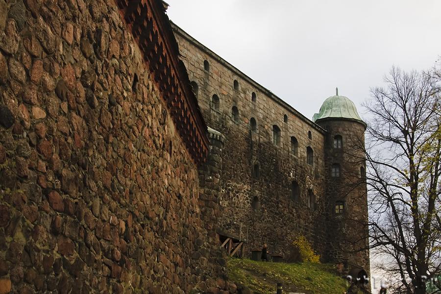 Южная стена и Райская башня.