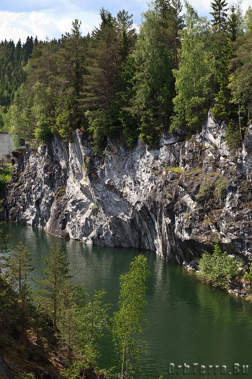Западная стена каньона.