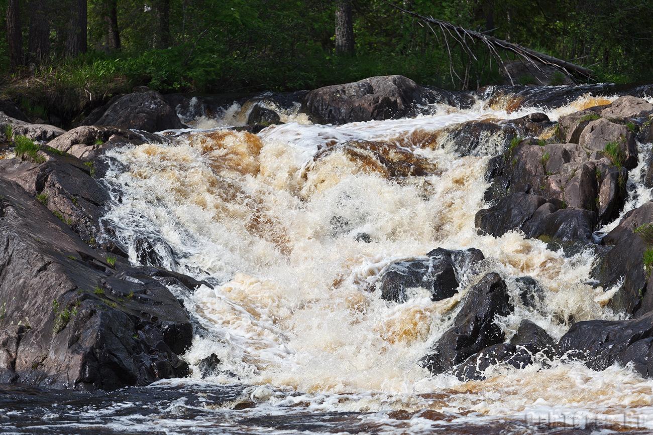 Водопад Ахвенкоски на реке Тохмайоки.
