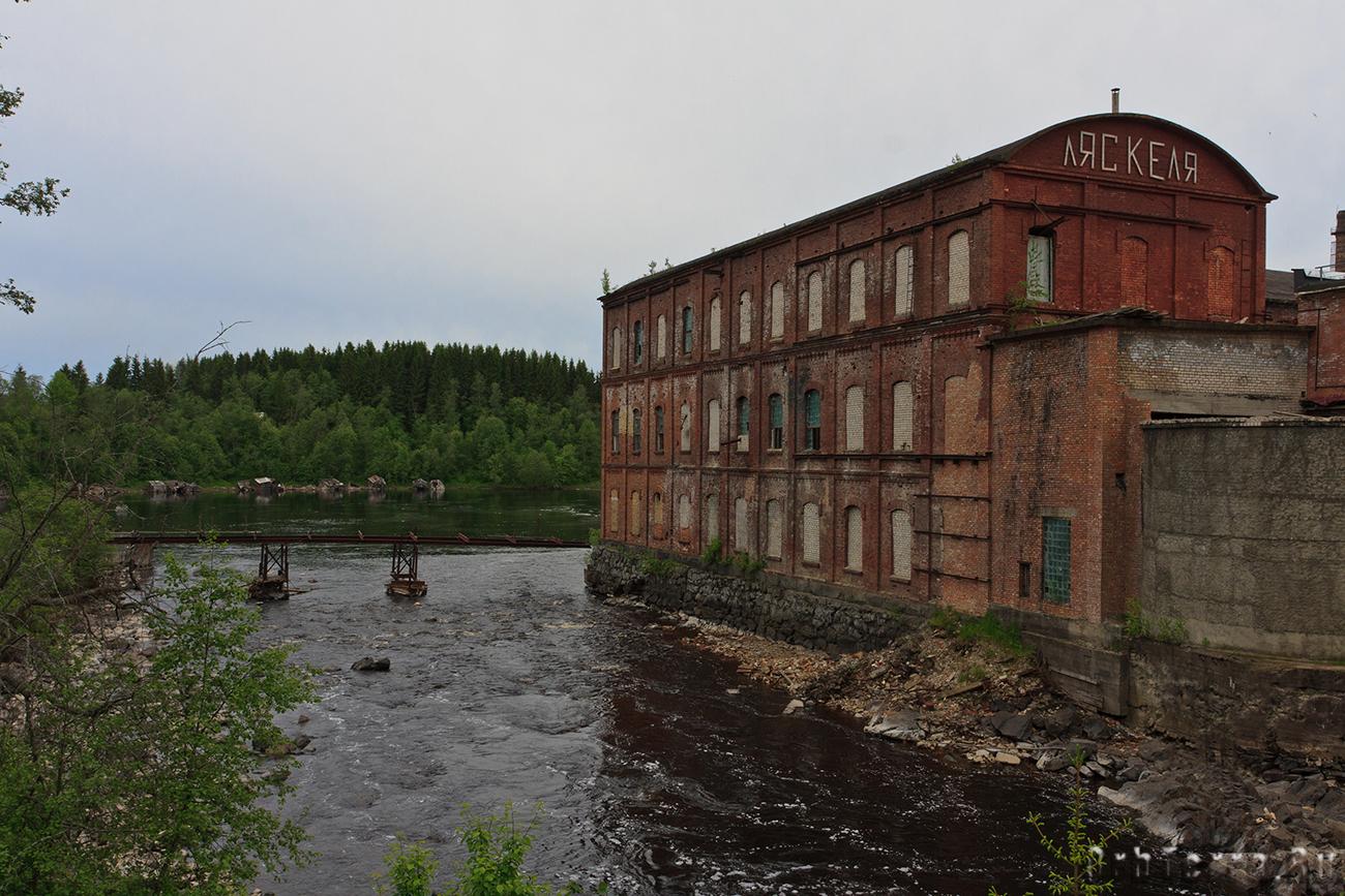 Здание целлюлозной фабрики (1899 г,).