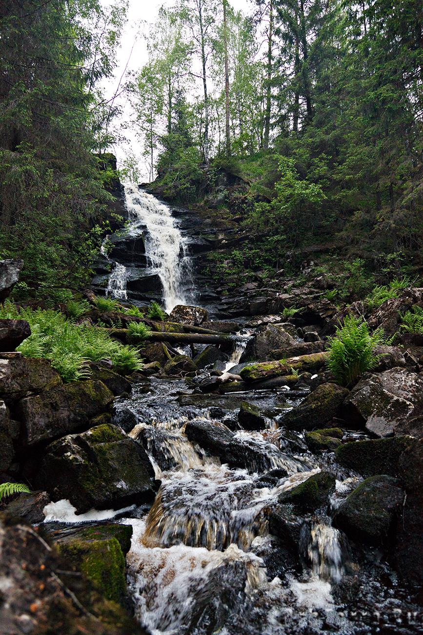 Водопад на втором рукаве Кулисмайоки.