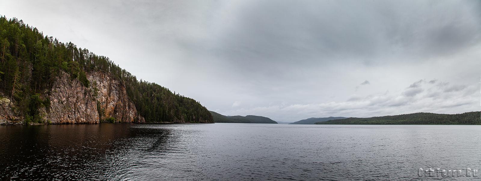 Панорама озера Паанаярви.