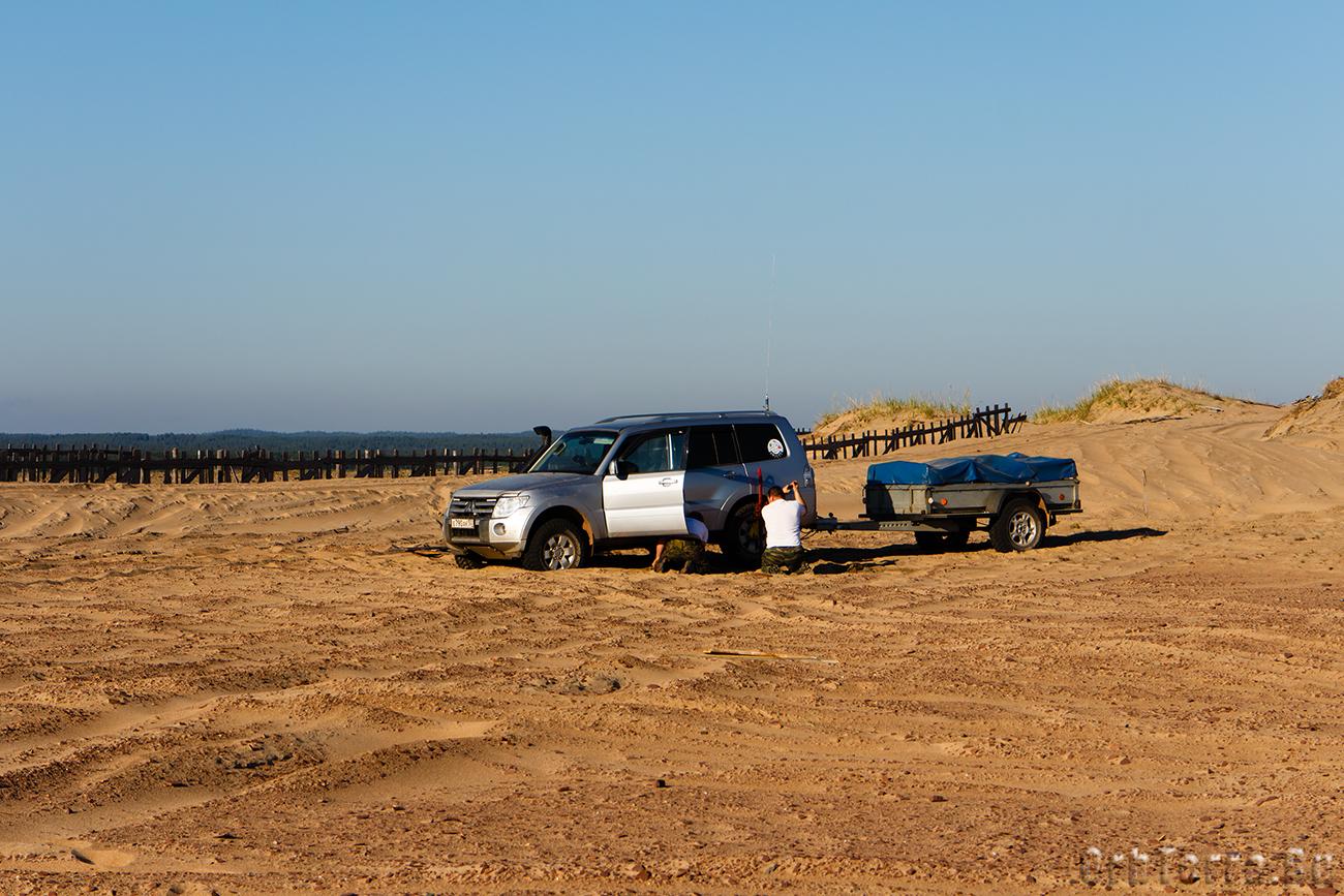 В песках Кузомени.