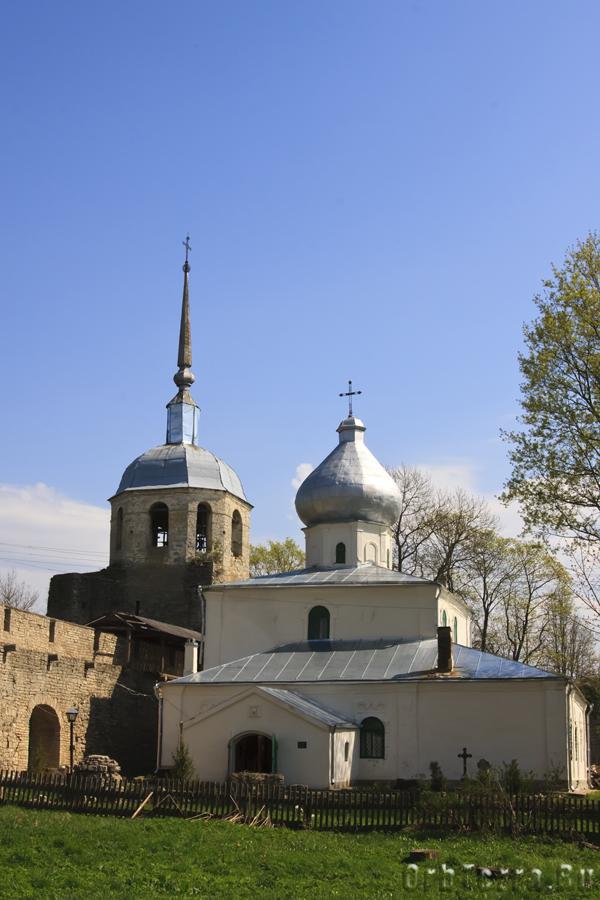 Перестроенная Никоьская башня с церковью.
