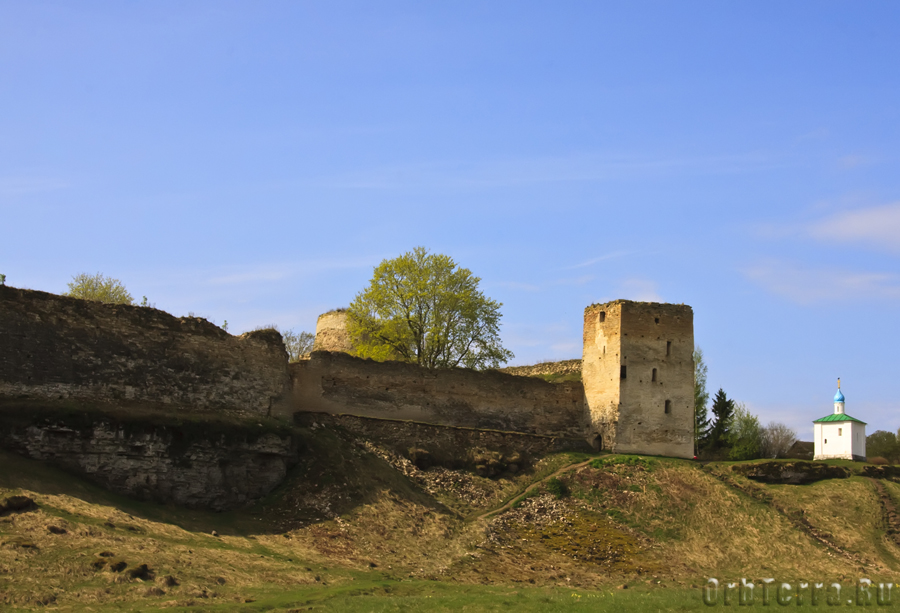 Талавская башня и захаб.