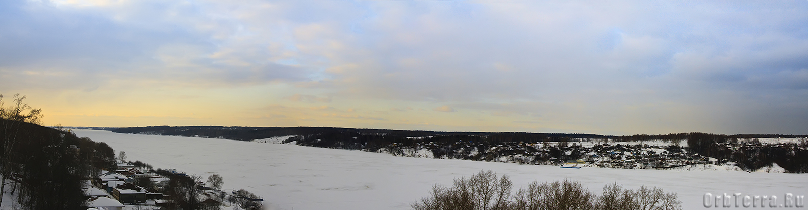 Вид с Соборной горы.