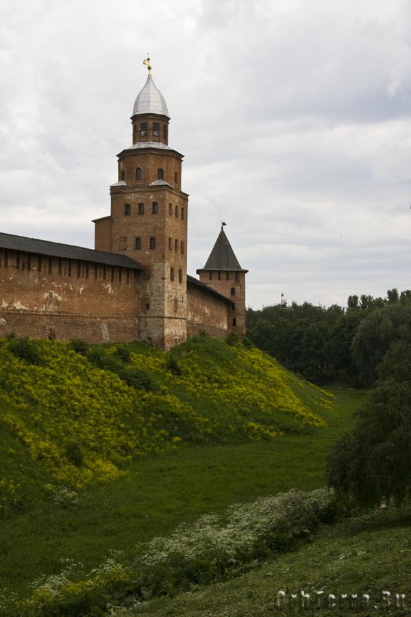 Вид на ров, Кукуеву и Княжую башни.
