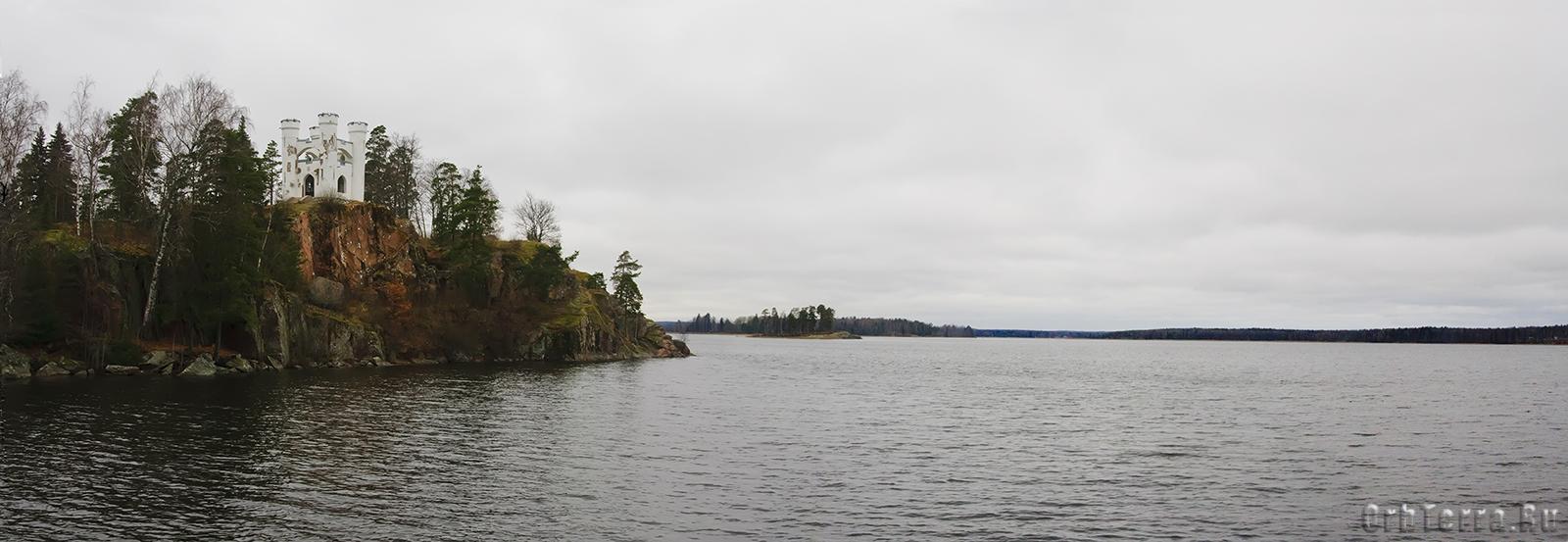 Панорама залива и острова Людвигштайн.