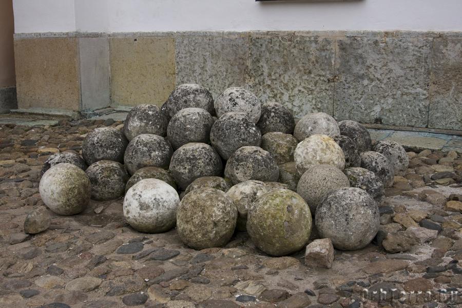 Каменные ядра XV - XVI в.в.