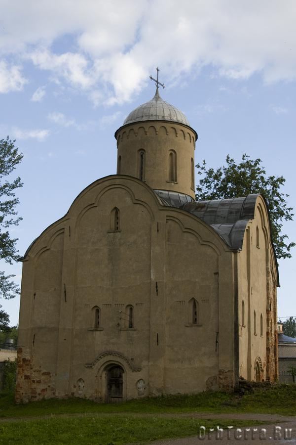 Церковь Петра и Павла на Славне 1367 г.