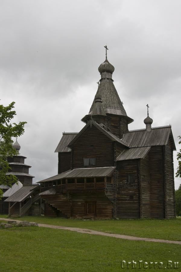 Церковь Рождества Богородицы 1539 года из села Передки Боровичского района.