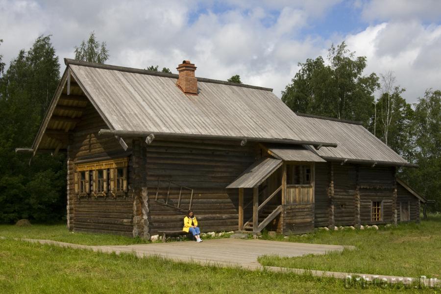 Изба Добровольских из деревни Вотрос Пестовского района 1870г.