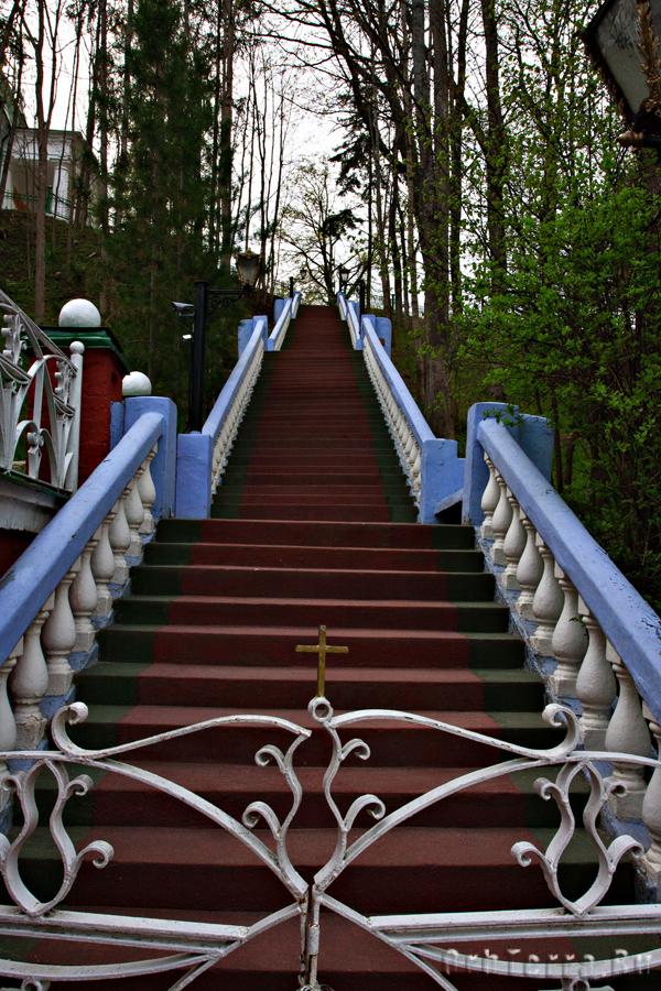 Лестница к Михайловскому храму.