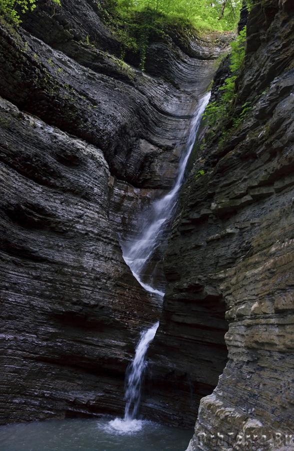Средний каскад водопада Псыдах.
