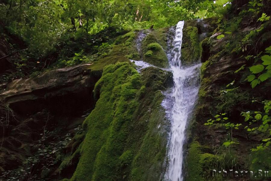 Верний каскад водопада Псыдах.