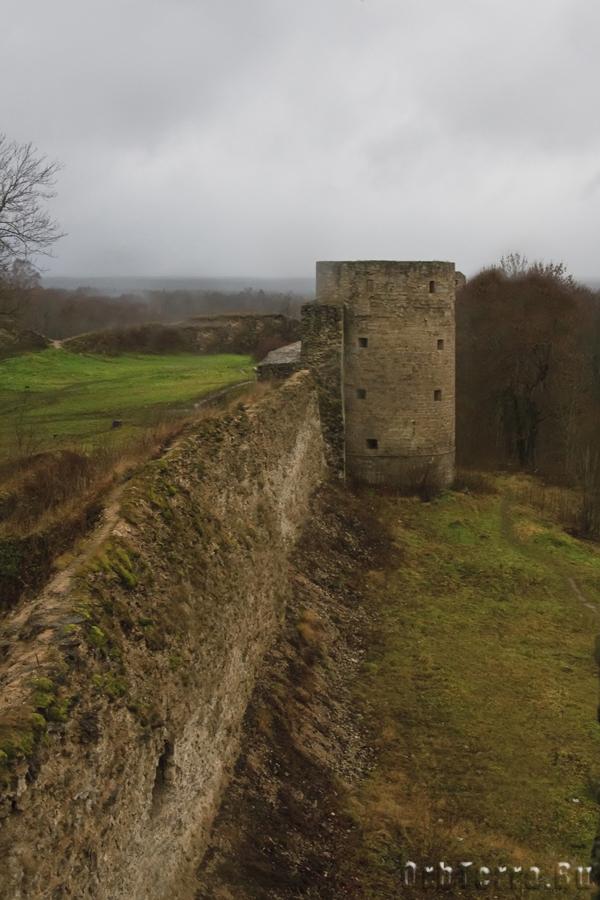 Вид из бойницы Северной башни.