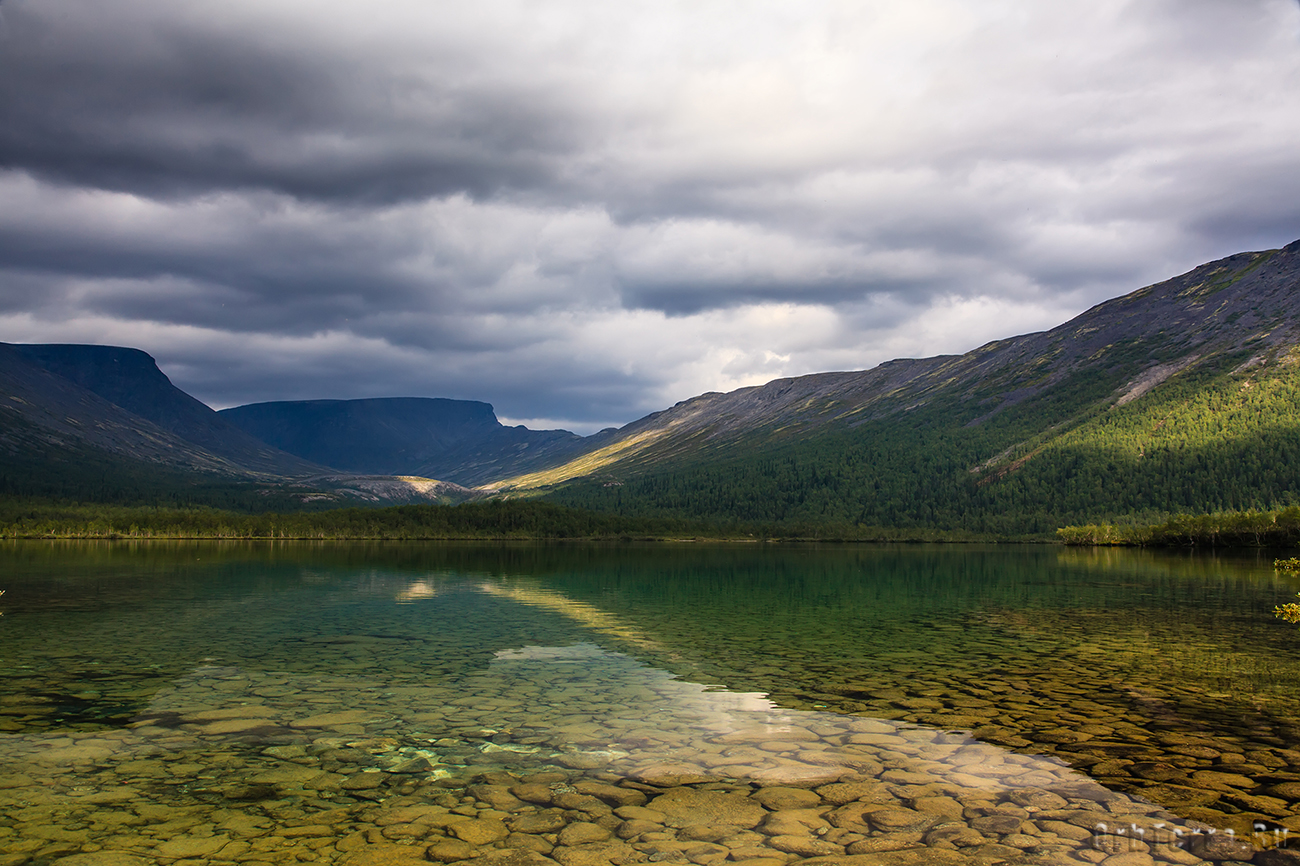 Озеро малый Вудьявр.