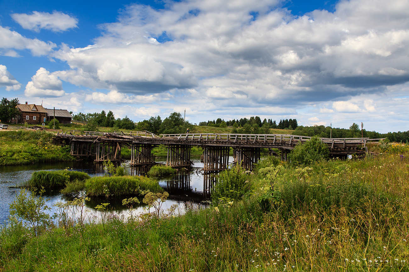 Мост через реку Самина.